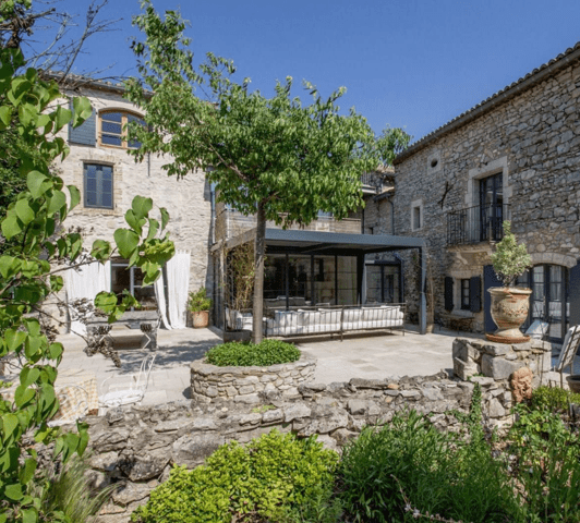 Property-France-classic-villa-antibes